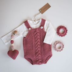 - All Hair Styles Knit Baby Dress, Knitted Baby Clothes, Knitting Projects, Knitting Patterns, Baby Girl Patterns, Baby Pants, Newborn Pictures, Baby Outfits, Baby Knitting
