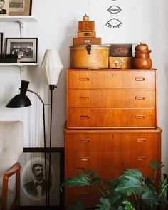 I find this dresser so dam beautiful. The delight I would feel to own that piece. It is just so dam fine. And the styling is wonderful. I can see this in my dressing room. This is why I have always loved Mid Century.  Marciel Greene  #dressingroom #wednesday #wednesdayinspiration #midcenturymodern #midcentury #midcenturyliving #midcenturystyling #interiordesign #interiors #interiorstyle #interiorstyling #interiorinspo #homedecor #homestyle #homedesign #homestyling #interiorsblogger #inter...