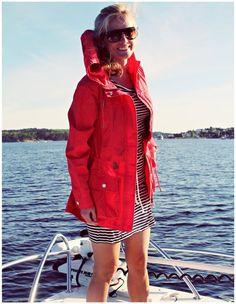 All At Sea - Die Frau des Fischers - ME FRAUEN