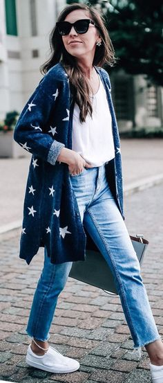 It's a starry night! Shine bright in this gorgeous longline cardigan in a subtle navy hue! Pair it with an all-black ensemble for a slick yet chill fall look. Magical Stars Knit Longline Cardigan in Navy featured by Prettyinthepines Blog