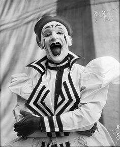 Clown Pete Mardo, photographed by Frederick Glasier, appeared with Barnum & Bailey and later with Ringling Bros. This was before the two shows were combined.