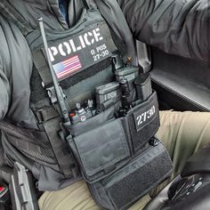Police Tactical Gear, Swat Gear, Police Gear, Airsoft Gear, Tactical Equipment, Tactical Vest, Military Equipment, Police Officer, Military Vest