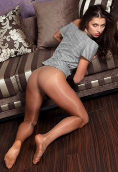 insanity34:  These are gorgeous pair of suntan pantyhose