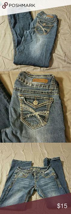 Juniors jeans Slight flare leg jeans for juniors Wallflower Jeans Flare & Wide Leg