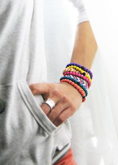 40 OFF Pick any 3 Neon Stackable Wood par GoddessOfJewelry sur Etsy, $18.00