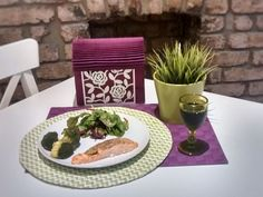 Hi everybody! Today I am cooking delicious fresh boneless salmon fillets with some vegetables, like broccoli ….yummy yummy!…and a mix salad. I hope you enjoy this recipe because it's one of my favo...