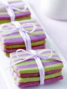 Striped Mint Shortbread--these might be good wedding dessert bar cookies. perfect colors and they look pretty. Cookie Desserts, Just Desserts, Cookie Recipes, Delicious Desserts, Dessert Recipes, Yummy Food, French Desserts, Christmas Sweets, Noel Christmas