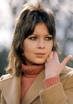 Gillian Blake as Dora in Follyfoot, a fondly remembered ITV horsey series 60s Tv Shows, British Actresses, British Celebrities, Kids Tv, My Childhood Memories, I Love Girls, Beautiful Actresses, Favorite Tv Shows, Vintage Tv