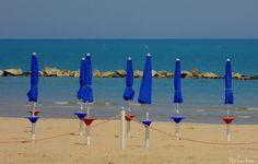 """FOTOGRAFIA N.23 """"ombrelloni azzurri.."""" (e.l. 2017)"""
