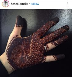 Beautiful Mehndi Design - Browse thousand of beautiful mehndi desings for your hands and feet. Here you will be find best mehndi design for every place and occastion. Quickly save your favorite Mehendi design images and pictures on the HappyShappy app. Pakistani Mehndi Designs, Peacock Mehndi Designs, Simple Arabic Mehndi Designs, Modern Mehndi Designs, Mehndi Design Pictures, Mehndi Designs For Girls, Wedding Mehndi Designs, Mehndi Designs For Fingers, Beautiful Henna Designs