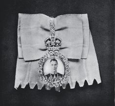 Royal Family Order of King George VI - Badge worn by HM Queen Elizabeth (The…
