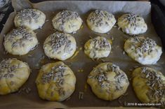 Chifle pufoase de casa cu cartofi   Savori Urbane Muffin, Breakfast, Food, Morning Coffee, Essen, Muffins, Meals, Cupcakes, Yemek