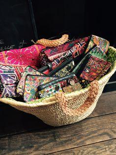 pochettes indiennes disponibles en diffrentes couleurs et motifs on adore nice