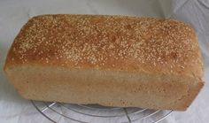 Dit is toch wel zo'n makkelijke en snel recept. Zelfs de meest onervaren kok met twee linkerhanden kan dit lekkere brood bakken. Door speltbloem of