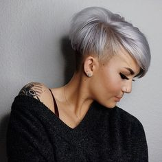 Undercut-Pixie New Best Pixie Cut Ideas for 2019 Pixie Cut With Undercut, Messy Pixie Haircut, Short Pixie Haircuts, Short Grey Hair, Short Hair Cuts For Women, Short Hair Styles, Undercut Hairstyles, Pixie Hairstyles, Blonde Pixie Cuts