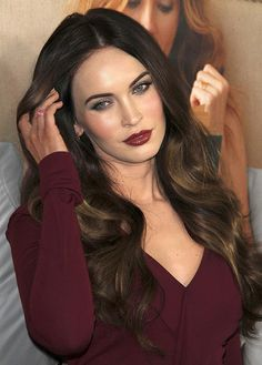 Megan Fox Plastic Surgery, Pelo Cafe, Megan Fox Photos, Megan Denise Fox, Winter Typ, Fall Winter, Corte Y Color, Clip In Hair Extensions, Beautiful Celebrities