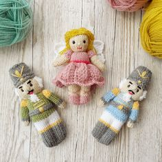 I love knitting for Christmas, this knitting pattern makes great tree decorations. Knitting Dolls Free Patterns, Knitted Dolls Free, Knitting Machine Patterns, Christmas Knitting Patterns, Doll Patterns, Fairy Crafts, Doll Crafts, Loom Knitting, Baby Knitting
