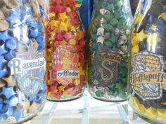 wow--tiny origami stars!!   Would love to do a Harry Potter themed party - have a table of sweets called Honeydukes....and have a jar of sweets in each of the house colors.