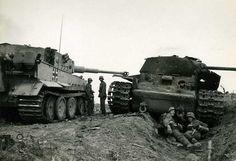 """Panzerkampfwagen VI Ausführung E """"TIGER"""", next to KV-1"""