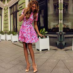 Когда, как не летом носить неоновые цвета? В таком платье-рубашке с флуоресцентными цветами вы оставите о себе самое яркое впечатление В наличии в наших магазинах в СПБ и Москве, доступно для заказа на сайте Marchelas.com