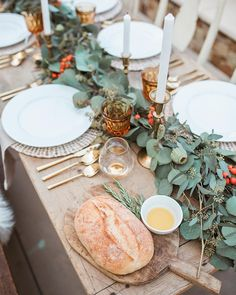 The seasons much awaited thanksgiving event will surely be celebrated with food and drinks in a presentable dining table. Thanksgiving is closing by and people will come to gather to offer thanks f… Thanksgiving Decorations Outdoor, Outdoor Thanksgiving, Thanksgiving Table Settings, Thanksgiving Centerpieces, Thanksgiving 2020, Holiday Tables, Thanksgiving Celebration, Dinner Table, Table Decorations