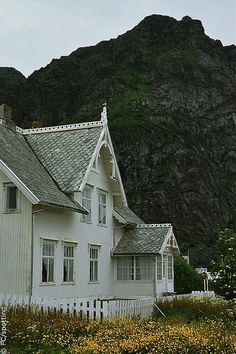 Traditional Wooden Houses at Lofoten Lofoten, Land Of Midnight Sun, Norway Viking, Cottage, Copenhagen Denmark, Beautiful Places, Beautiful Homes, Architecture Details, Curb Appeal