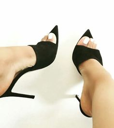 Interesting diy idea for pointed toe shoes