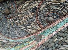 les-murs-en-mosaiques-de-pierres-de-andreas-kunert-naomi-zettl-5