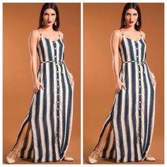 Modelo usa vestido listrado em azul e branco com sapatilha nude. Frock Fashion, Girl Fashion, Fashion Dresses, Linen Dresses, Casual Dresses, Summer Dresses, Indian Wedding Outfits, One Piece Dress, Striped Fabrics