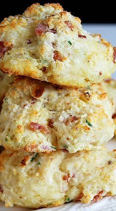 Bacon Cheddar Chive Drop Biscuits - New Site Savoury Biscuits, Savory Scones, Savoury Baking, Cheese Scones, Baking Breads, Cheddar, Drop Scones, Drop Biscuits, Fluffy Biscuits