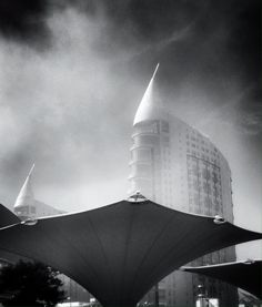 Foggy morning, Modern #Lisbon.