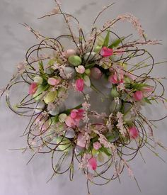 Spring Wreath but without the eggs Diy Spring Wreath, Spring Crafts, Wreath Crafts, Diy Wreath, Wreath Ideas, Easter Wreaths, Holiday Wreaths, Corona Floral, Deco Table