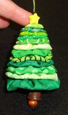7 Fabric Yo-yo Crafts for Christmas