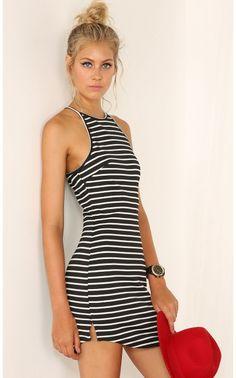 Day dresses > STRUCK YOU DOWN DRESS
