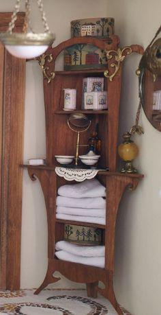 Art Nouveau bathroom from Petit cabinet de curiosités