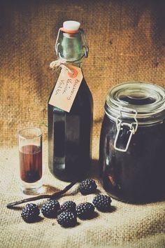 Как сделать домашнее ежевики и ванили водки