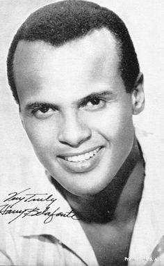 Harry Belafonte - Movies & Autographed Portraits Through The Decades Harry Belafonte, Living In Jamaica, American Folk Songs, Black Actors, Black Celebrities, Music Documentaries, Vintage Black Glamour, Actor Studio, Handsome Black Men