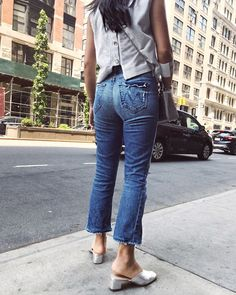 d8bca46953748  trustmebuythis Instagram Shopping Picks Denim Jeans