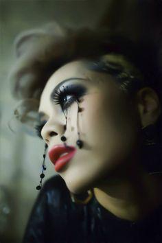 makeup is Chiaki. Dancer Jacky