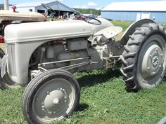 1942 Ford Tractor https://www.youtube.com/user/Viewwithme