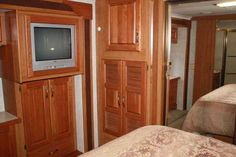 2005 Used Monaco Knight 38PDQ Class A in California CA.Recreational Vehicle, rv, 2005 Monaco Knight 38PDQ, 2005 Monaco Knight 38 P.D.Q This is a 39 ft Monaco in excellent condition. This is a non smoking and non pet used motorhome and is a one owner motorhome. This motorhome has been meticulously taken care of and has always been covered when in storage. This RV has 29,000 miles on it and is powered by a 330 hp Cummins diesel engine. This engine is paired with an Allison 6 speed transmission…