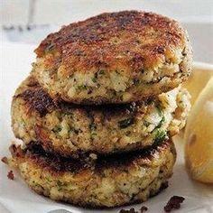 Ouma Freda's fishcakes Banting Recipes, Meat Recipes, Seafood Recipes, Cooking Recipes, Recipies, Curry Recipes, Delicious Recipes, Cake Recipes, Healthy Recipes