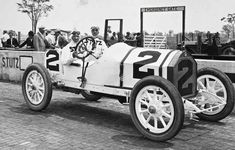 AUTO RACING: Three time National AAA Champion driver Earl Cooper (1913, 1915, 1917), is shown here at Indianapolis with his Stutz in 1914, were he went out on lap 118