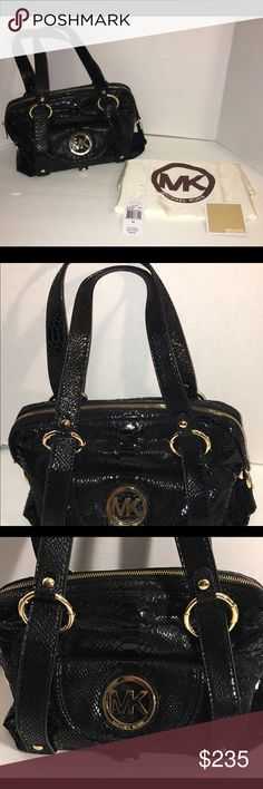 Gorgeous Michael Kors Fulton Leather Snakeskin Bag Absolutely gorgeous Michael Kors Fulton black leather snakeskin bag. This fantastic bag is in excellent condition and comes with dust cover and original tag! A real eye catcher for sure! From a smoke/pet free home Michael Kors Bags Satchels