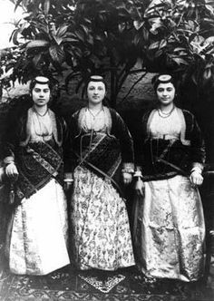 Traditional festive costumes of the 'Rum' (Greek-Orthodox) inhabitants from the… Greek Traditional Dress, Traditional Outfits, Greece Photography, Gypsy Costume, Costumes Around The World, Photographs Of People, In Ancient Times, Black Sea, Vintage Embroidery