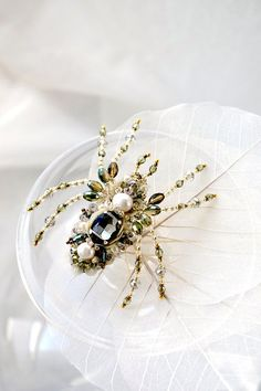 Beautiful spider jewelry, ooak spider brooch unique designer jewelry perfect gift for Spider Lover, nature inspired pearl green Spider gift