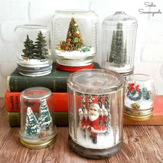 Vintage Decor Diy DIY Waterless Snowglobes with Vintage Mason Jars for Christmas Decor - Create charming, waterless snowglobes using vintage mason jars, bottle brush trees, and faux snow for Christmas decor that will delight everyone! Mason Jar Christmas Crafts, Mason Jar Crafts, Mason Jar Diy, Bottle Crafts, Christmas Diy, Christmas Decorations, Vintage Christmas, Xmas, Bottle Decorations