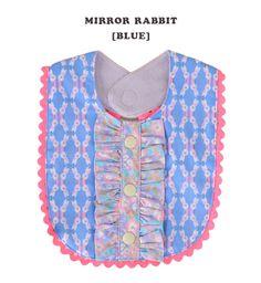 【楽天市場】お洋服を覆ってくれる大きめサイズのベビースタイ♪フリルやボタンのデコレーション付きのおしゃれなデザイン ベビーエプロン 赤ちゃん 女の子 よだれかけ よだれ掛け ベビー用品 うさぎ ウサギ 1847-0002◆fafa(フェフェ):DELLA フリルビブ[ミラーラビット]:イーザッカマニアストアーズ
