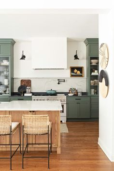Shaker cabinets and island in modern country kitchen #kitchen #countrykitchen