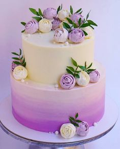 Chocolate and pear crumble cake - HQ Recipes Pretty Cakes, Cute Cakes, Beautiful Cakes, Purple Cakes, Purple Wedding Cakes, Gold Wedding, Floral Wedding, Tulip Cake, Floral Cake